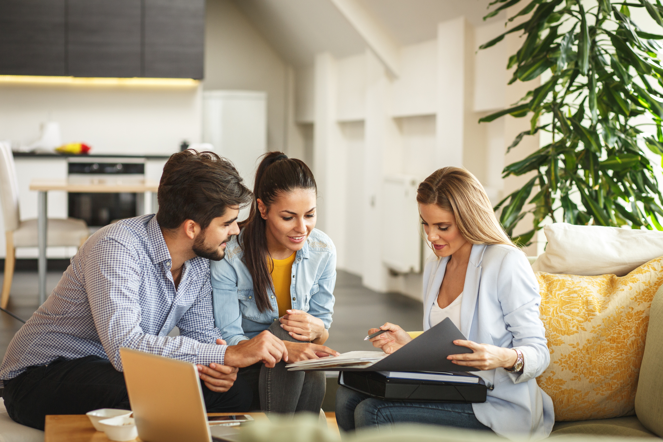 Avoid These Credit Mistakes if You're Buying a New Home